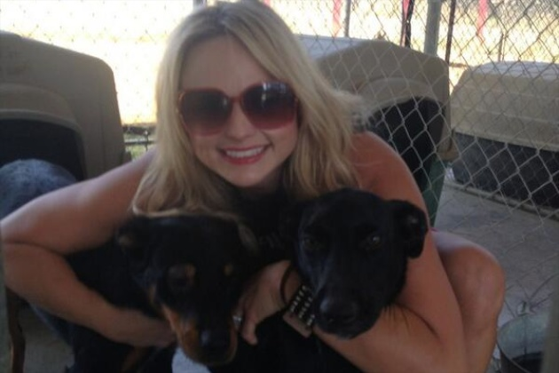 Miranda Lambert Helps Rescue 40 Dogs