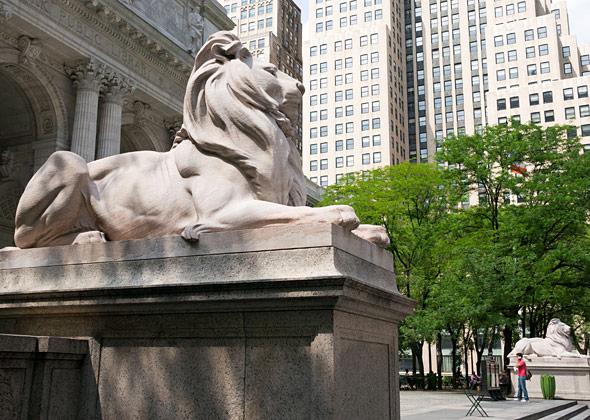 Famous Animal Statues Across America