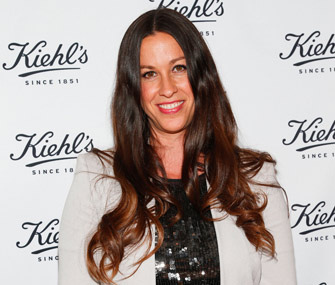 Alanis Morrisette is in a dog custody battle